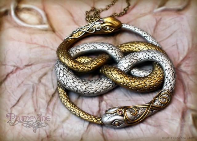 украшение змеиное