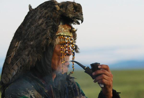 шаман из Тывы в ожидании духа Великого Медведя