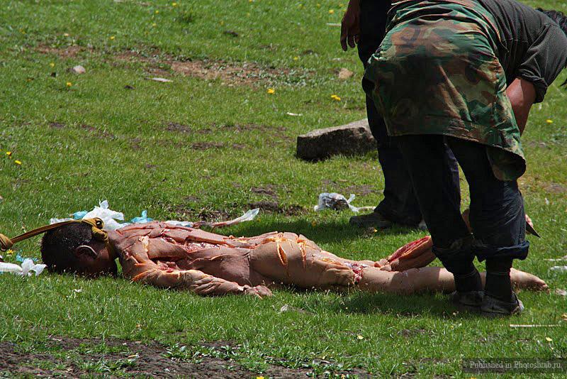 похоронное скармливание птицам, Тибет 1