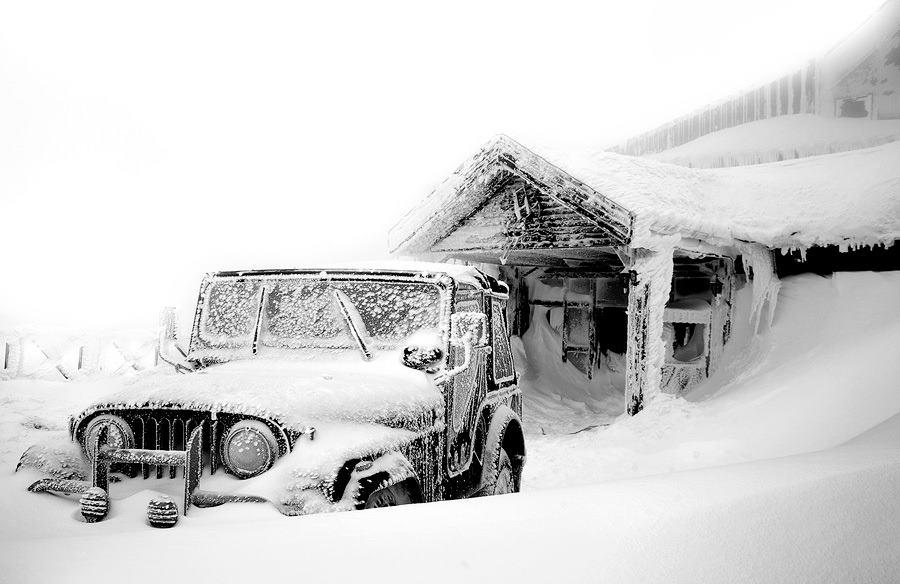 зима и виллис