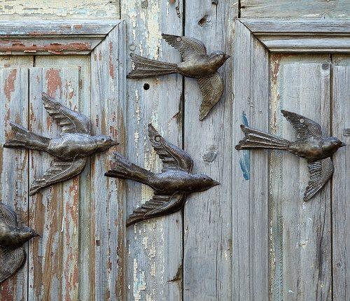 дверь не открывается птички улетели