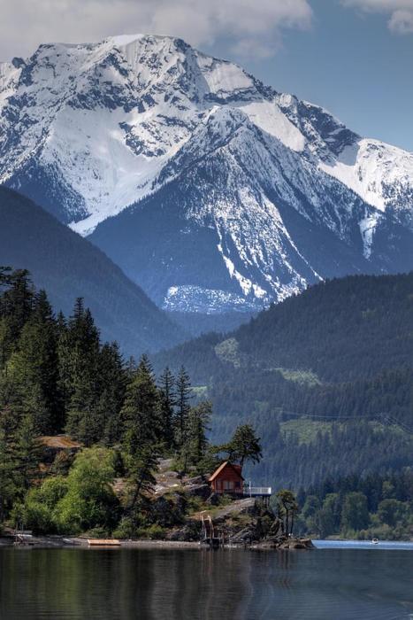 избушка в горах