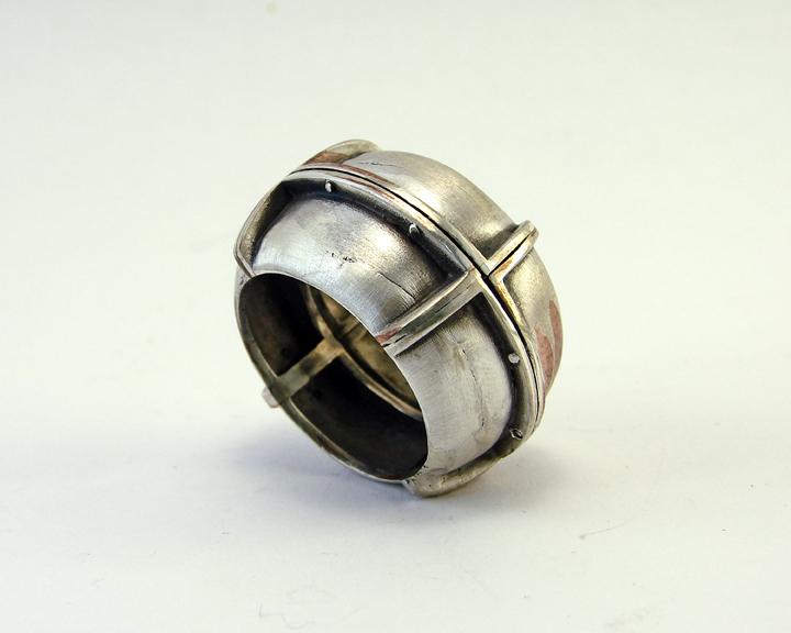 кольцо брутальное