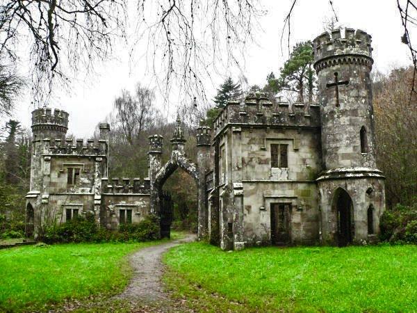 Ballysaggartmore Castle, Ireland