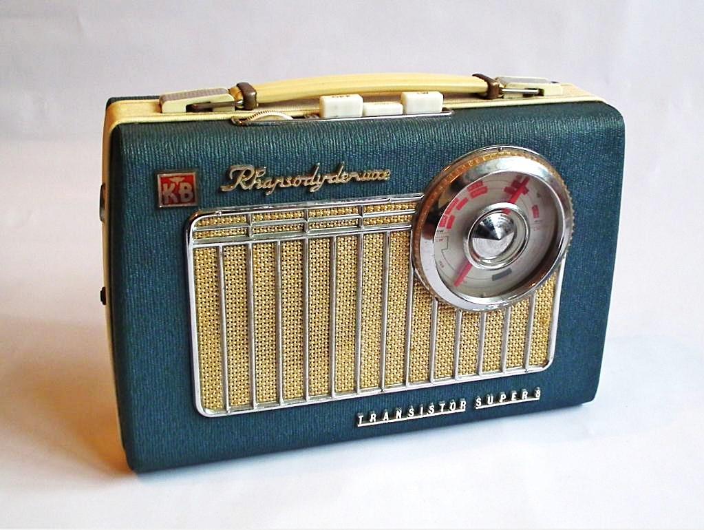 1963 Rhapsody Deluxe Transistor Radio