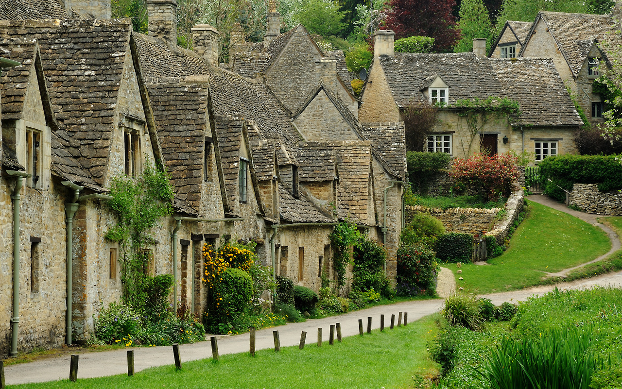 The Village of Bibury, England, с 1086 1