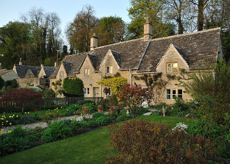 The Village of Bibury, England, с 1086 4
