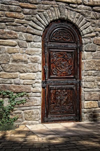 дверь опять же ж