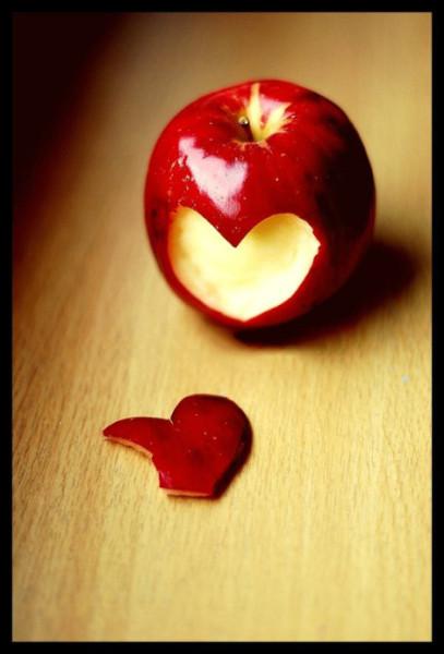 яблоко евы