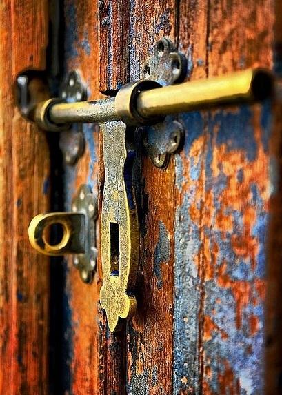 дверная щеколда