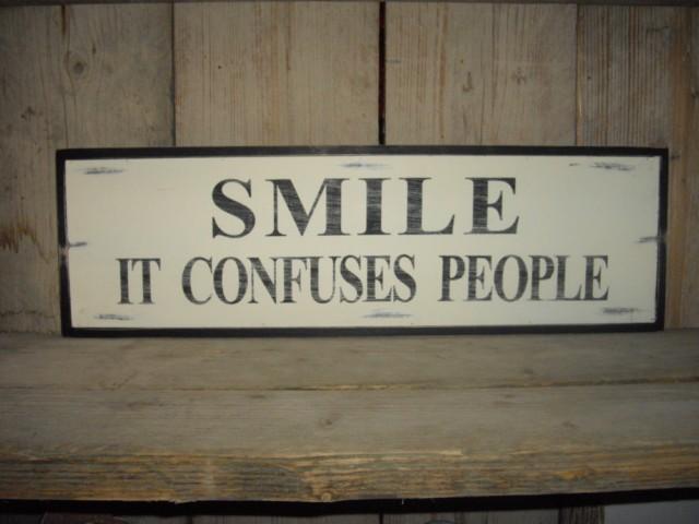 улыбайся это сбивает с толку
