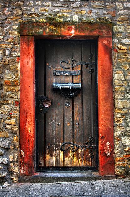дверь с почт ящ