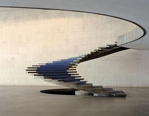 лестница спираль модернизма