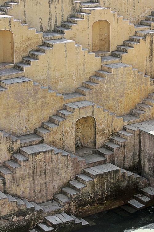 лестница в Чанг Баори Индия