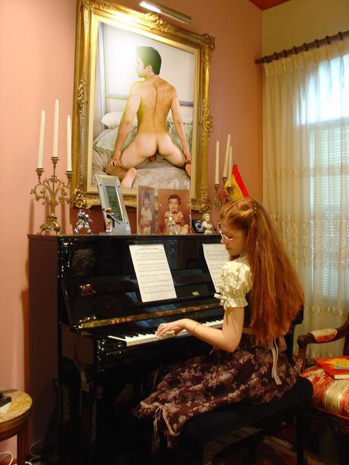 девушка и искусство
