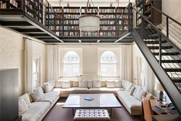 лофт с библиотекой