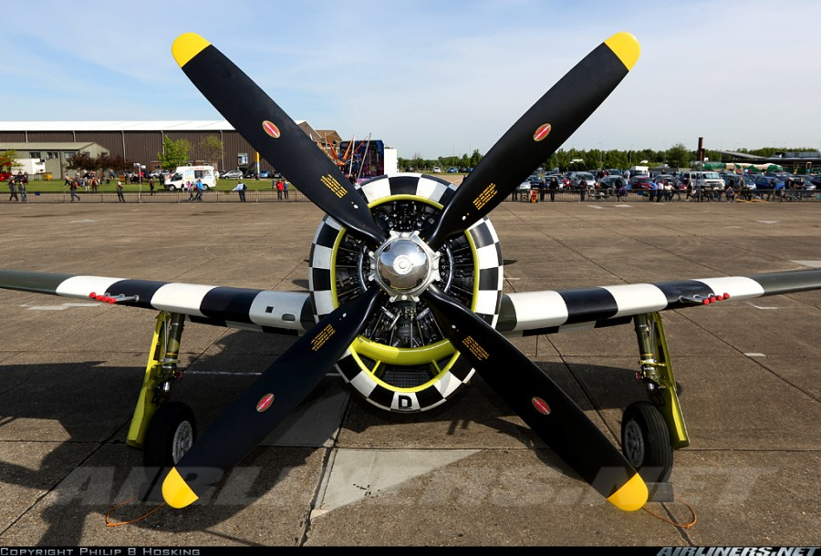 Republic P-47G Thunderbolt спереди