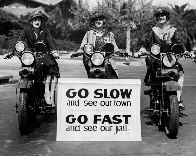 Motorcycle officerettes, Los Angeles, 1927