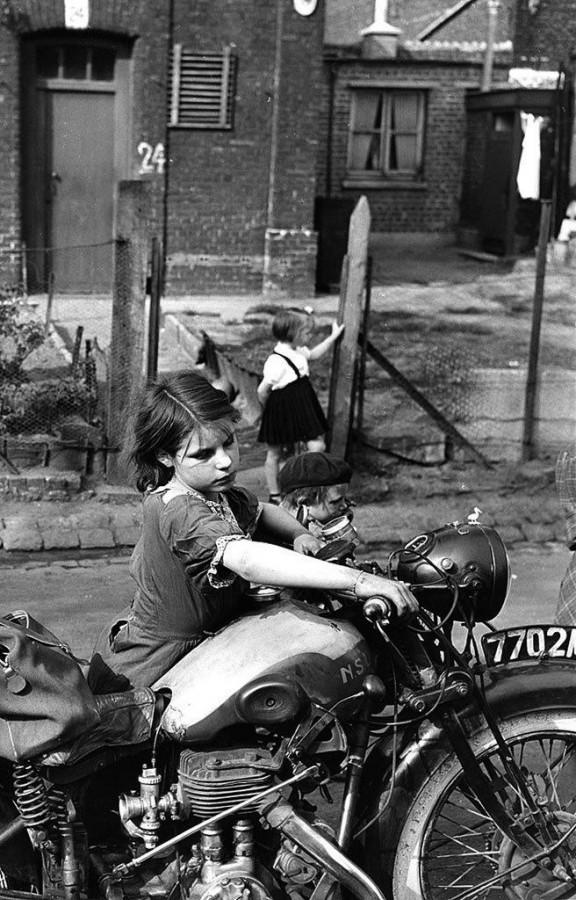 примериться к мотоциклу 1954