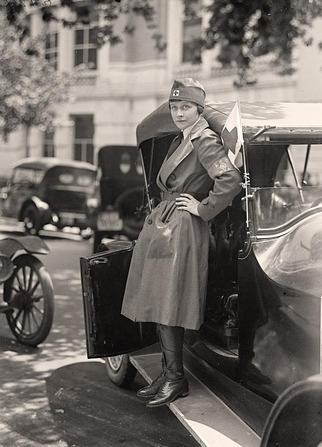 World War I nurse, 1917