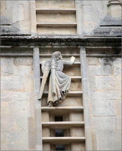 Angel climbing to heaven the abbey in Bath