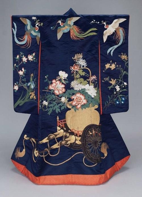19th century kimono V&A Museum, London 2