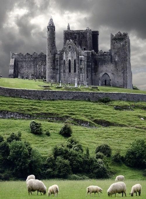 замок непонятно где