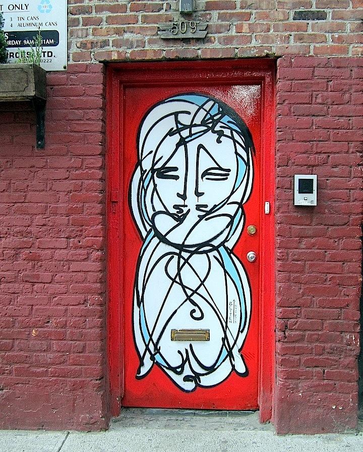 дверь в НЙ