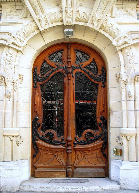 дверь модерн