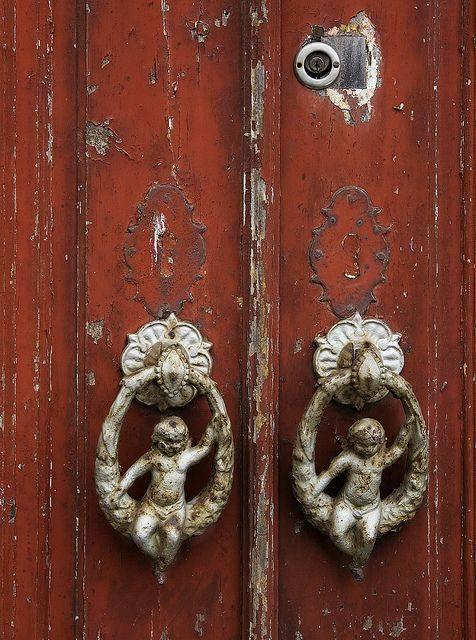 дверь с херувимами