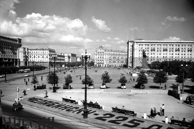 так выглядела площадь в 1961г.