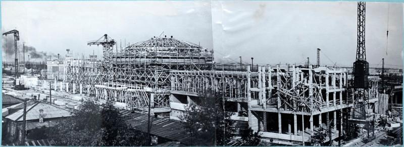 Строительство главного здания вокзала 60-е годы.