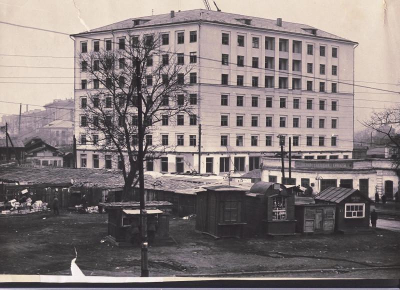 перекресток ул.Цвиллинга и ул. Торговой 50-е годы.