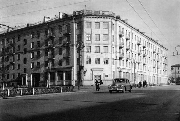перекресток Тимирязева и Свободы 50-е годы.