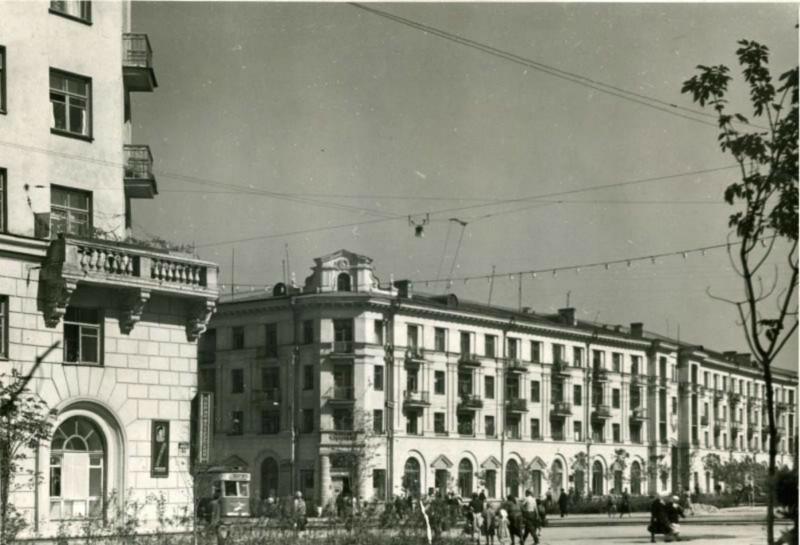Перекресток ул.Тимирязева и Цвиллинга в 50-х
