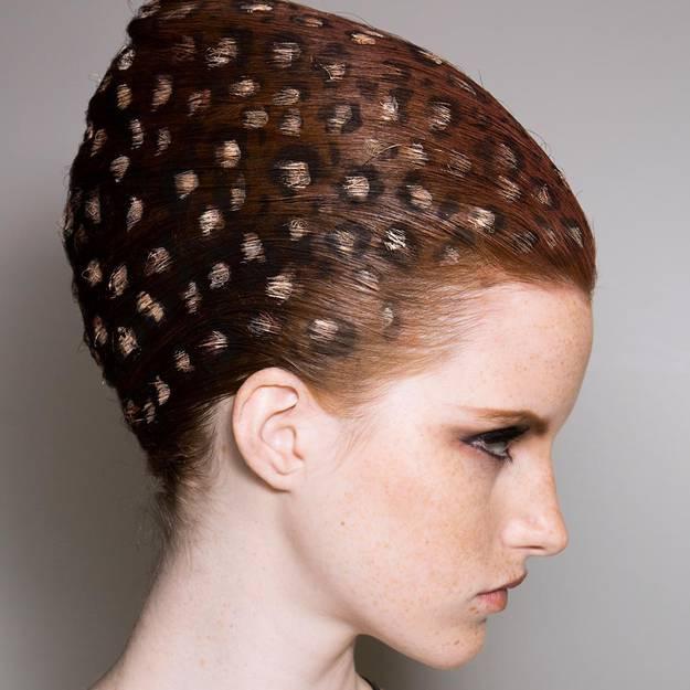Hair-stencil-on-craque-pour-la-colo-cheveux-au-pochoir