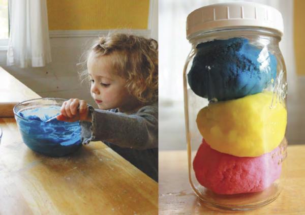 Идея от МИФа: Готовить самодельный пластилин - www.365together.ru