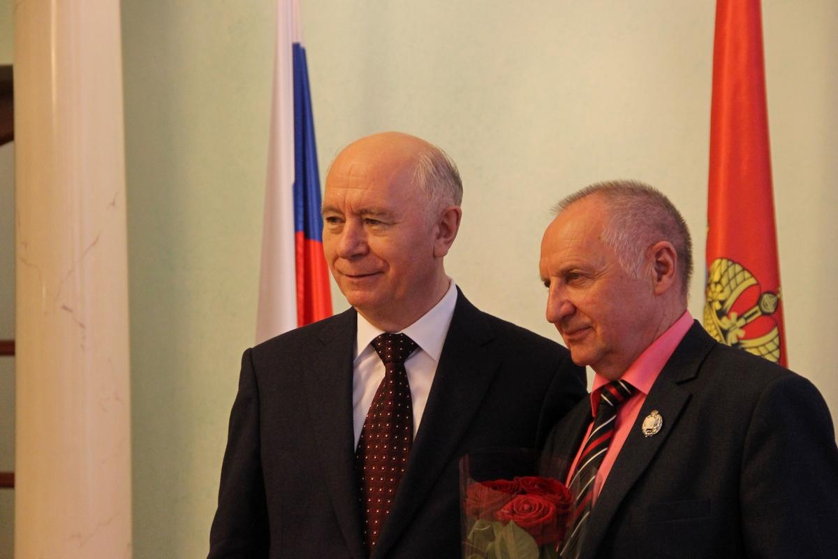Указ о проведении в России Года добровольца