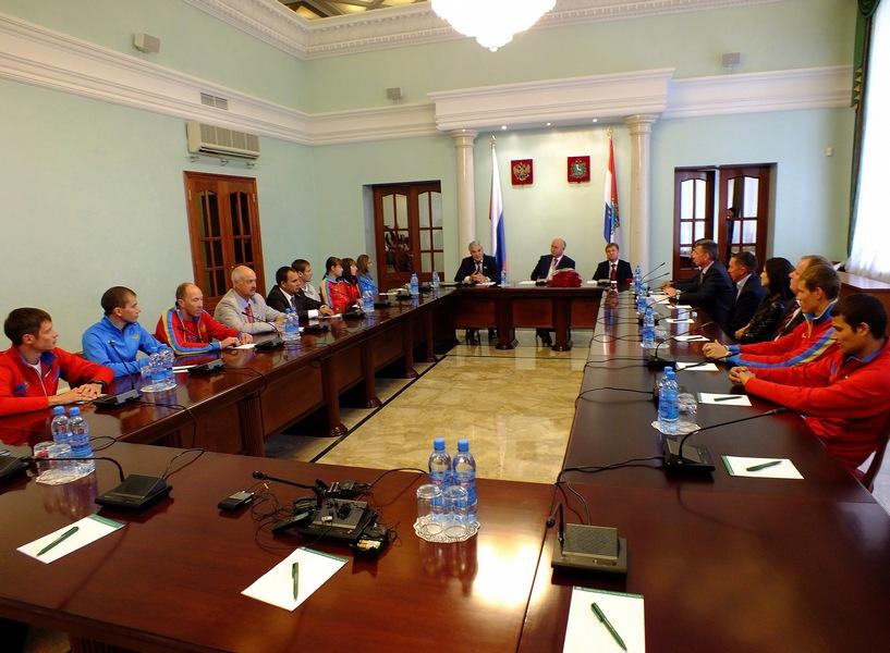 Встреча спортсменов-легкоатлетов с губернатором Самарской области Меркушкиным Н.И.