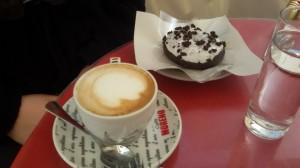 Cappuccino e donuts
