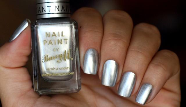 Лак серебро для ногтей