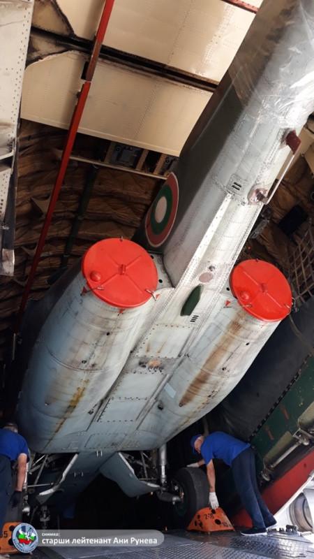 Болгарские штурмовики Су-25 все-таки отправились на ремонт в Белоруссию Болгарии, штурмовиков, ремонт, августа, штурмовика, договор, обороны, контракта, Белоруссию, завод, Барановичах, Су25УБК, Су25К, разрешение, дорогу, самолёт, итоге, министру, транспортный, Погрузка