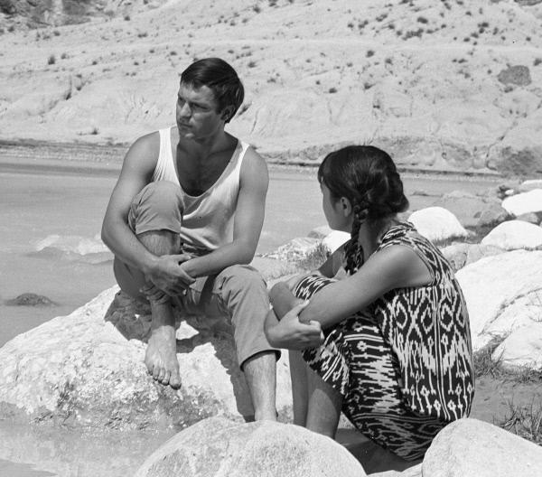 «Нежность» (режиссер Эльёр Ишмухамедов, 1966)_0010.jpg