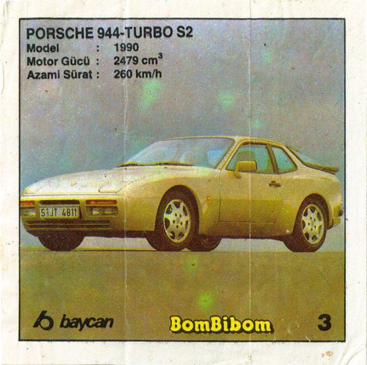 Вкладыш легендарной первой серии Бомбибом с не менее легендарным автомобилем.