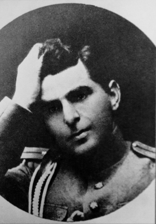 Аршо Шахатуни (Arsho Shahatuni)
