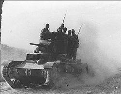 250px-Испанская_11_интербригада_в_бою_под_Бельчите._1937
