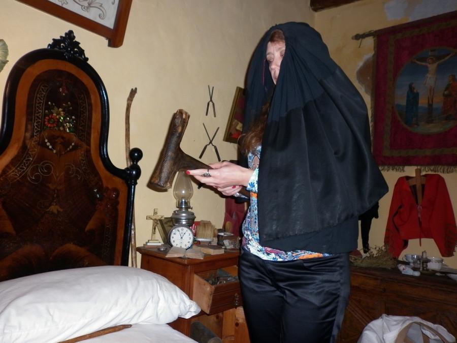 орудие смерти: молоток женщины - аккабадоры