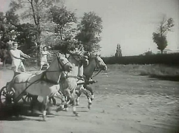 Strogij.junosha.1936.XviD.avi_snapshot_00.30.09_[2014.01.12_20.20.31]