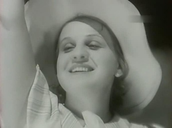Strogij.junosha.1936.XviD.avi_snapshot_00.35.23_[2014.01.12_20.32.56]