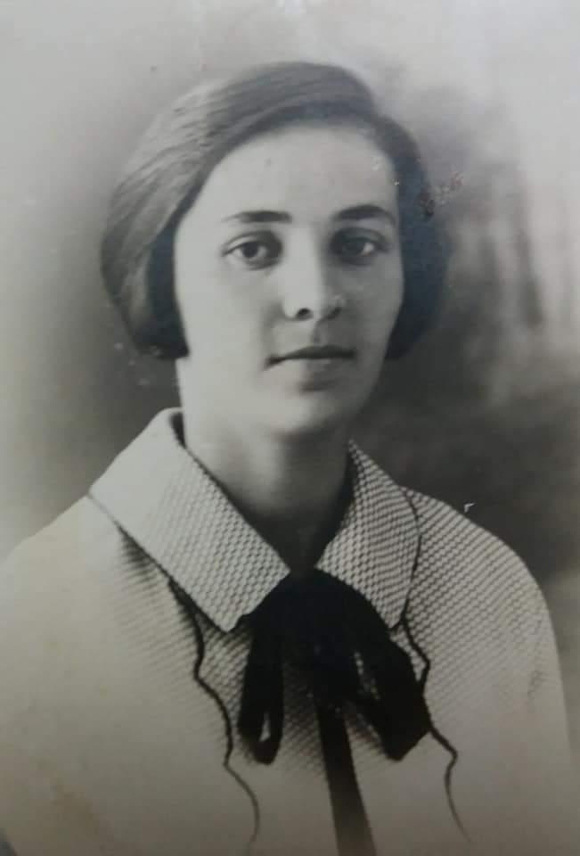 Моя бабушка Кочиева (Хъоцыты) Вера Бидзиновна в молодости.